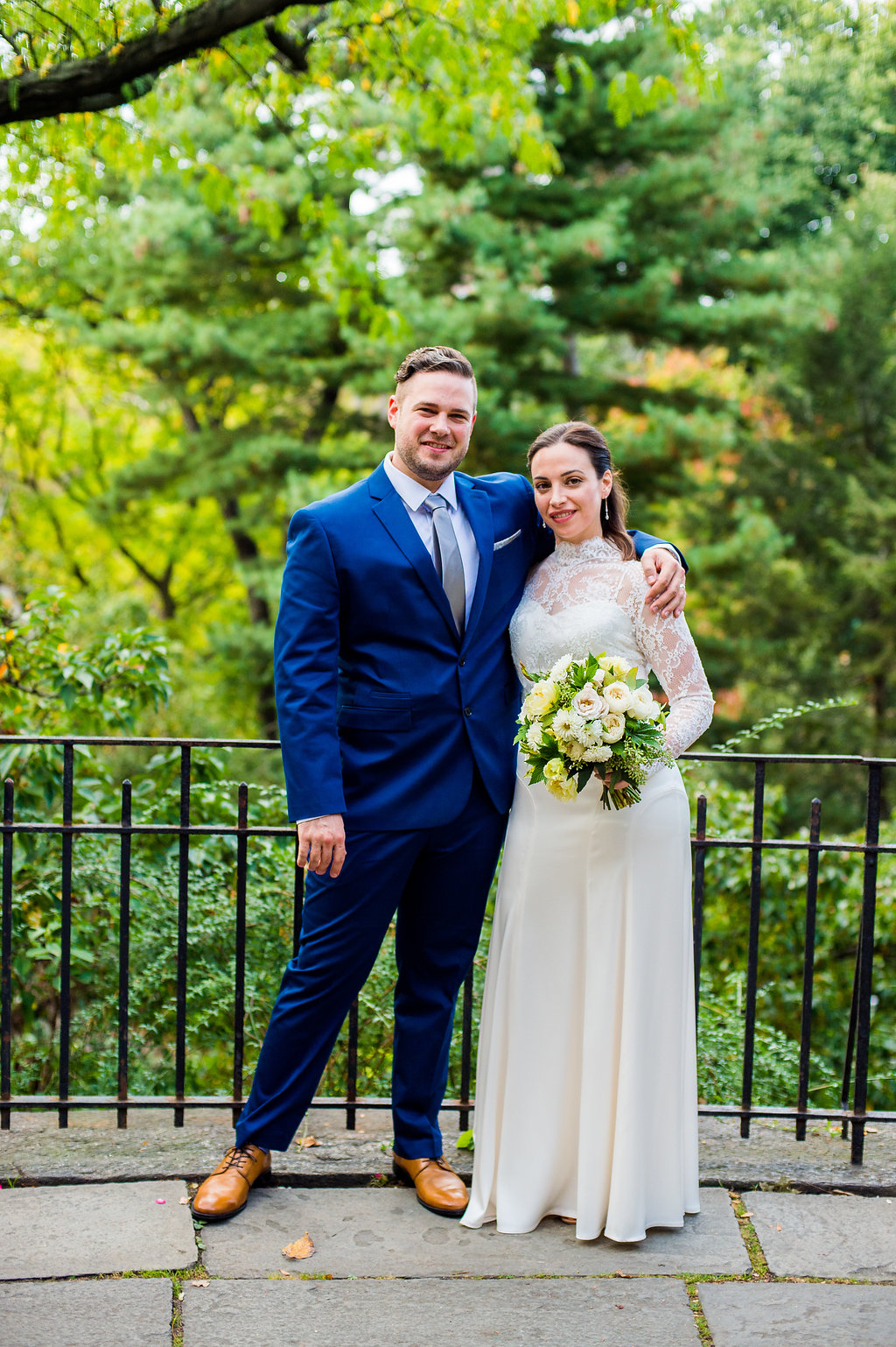 Stylish couple marries in Central Park